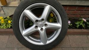 Gyári Toyota Avensis-Corolla Verso- Verso- Auris 17-es könnyüfém felni gumival