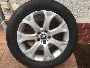 BMW X5 E70 gyári Styling 211 9•19-es 5•120-as ET48-as könnyüfém felni garnitura eladó. Használt, de jó állapotban. GUMI NÉLKÜL!